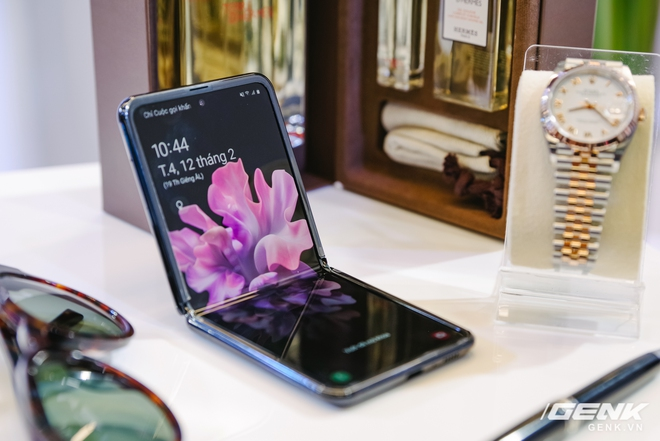 Những smartphone đáng mua nhất để dành tặng phái nữ nhân dịp 8/3 - Ảnh 8.