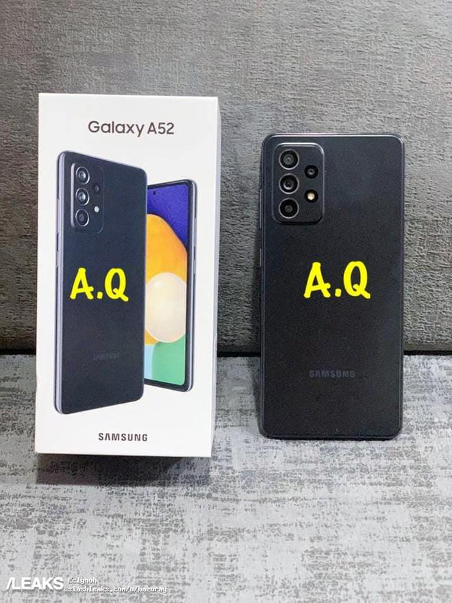 Galaxy A52 lộ ảnh thực tế: Mặt lưng nhám, camera lồi, phụ kiện đầy đủ - Ảnh 1.