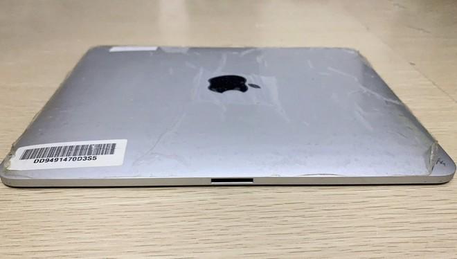 Hóa ra Apple từng có ý định làm một chiếc iPad có tới hai cổng kết nối, vừa sạc vừa cắm dock bàn phím - Ảnh 3.