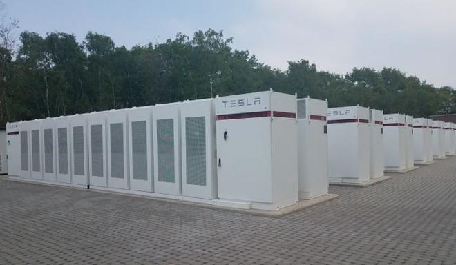 Apple sẽ sử dụng siêu pin Megapack của Tesla để cung cấp năng lượng cho trụ sở chính tại Cupertino - Ảnh 2.