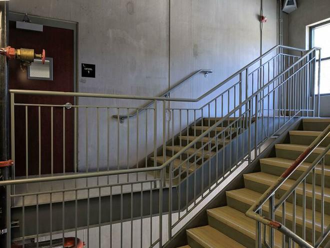 Những hình ảnh cho thấy hóa ra thiết kế cầu thang cũng chẳng phải chuyện dễ dàng - Ảnh 13.