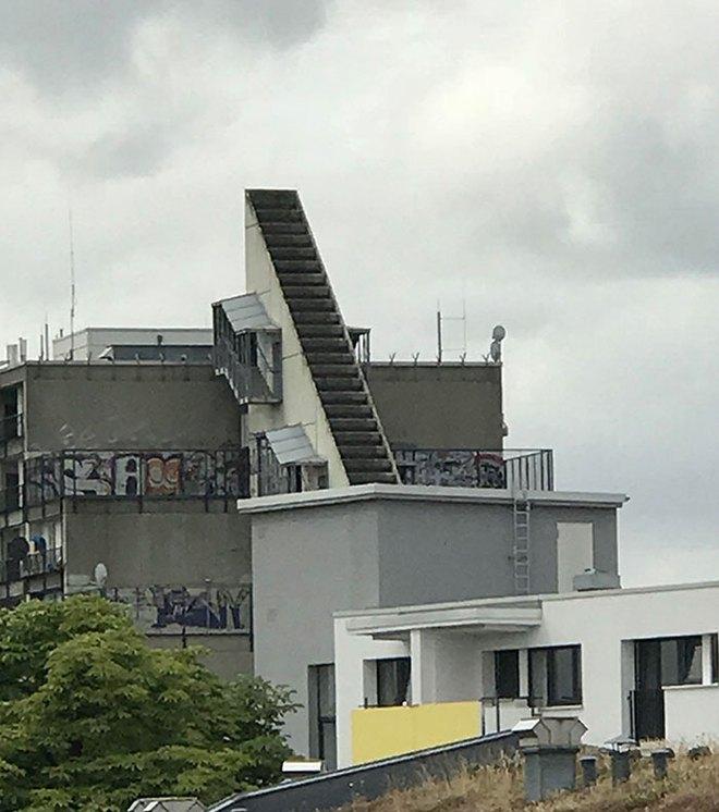 Những hình ảnh cho thấy hóa ra thiết kế cầu thang cũng chẳng phải chuyện dễ dàng - Ảnh 20.