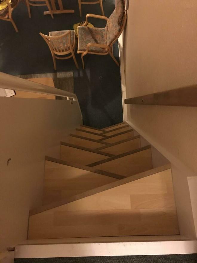 Những hình ảnh cho thấy hóa ra thiết kế cầu thang cũng chẳng phải chuyện dễ dàng - Ảnh 25.