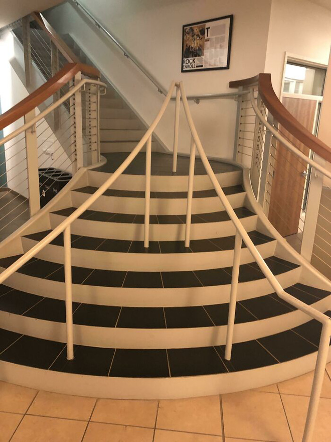 Những hình ảnh cho thấy hóa ra thiết kế cầu thang cũng chẳng phải chuyện dễ dàng - Ảnh 29.