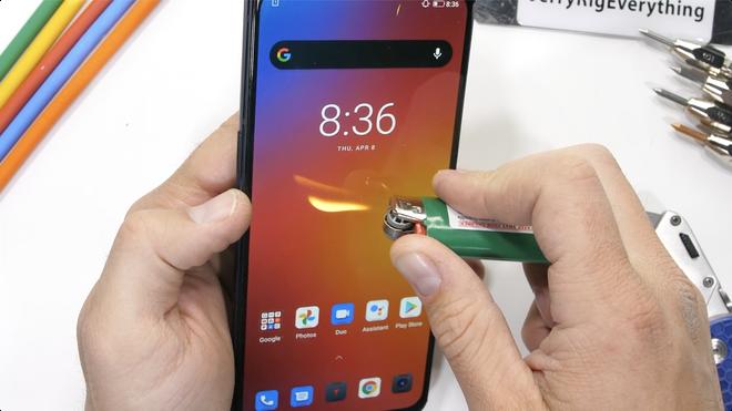 Test độ bền Lenovo Legion Phone Duel 2 và cái kết: Trông thì hầm hố đấy nhưng bẻ nhẹ là gãy! - Ảnh 4.