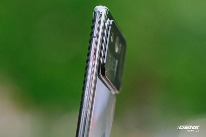 Trên tay Xiaomi Mi 11 Pro và Mi 11 Ultra: Nâng cấp chính về camera và sạc nhanh, bản Ultra có 2 màn hình cực chất, giá từ 20 triệu đồng - Ảnh 7.