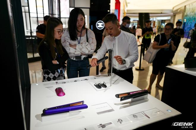Dyson chính thức đưa sản phẩm về Việt Nam, người dùng có thể đến trải nghiệm trực tiếp tại Demo Zone ở Crescent Mall - Ảnh 9.