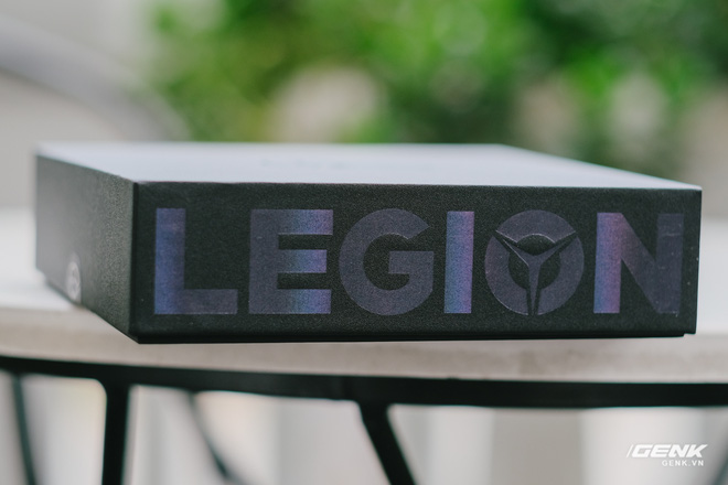 Trên tay máy chơi game Lenovo Legion Phone Duel 2 tại VN: Thiết kế độc lạ, camera selfie thò thụt, có 2 quạt tản nhiệt, 2 cổng sạc, giá chỉ từ 13.8 triệu đồng - Ảnh 2.