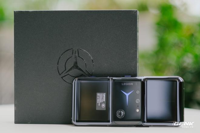 Trên tay máy chơi game Lenovo Legion Phone Duel 2 tại VN: Thiết kế độc lạ, camera selfie thò thụt, có 2 quạt tản nhiệt, 2 cổng sạc, giá chỉ từ 13.8 triệu đồng - Ảnh 9.