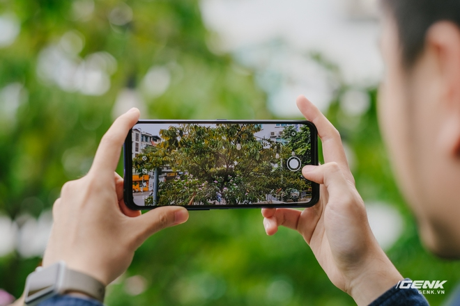Trên tay máy chơi game Lenovo Legion Phone Duel 2 tại VN: Thiết kế độc lạ, camera selfie thò thụt, có 2 quạt tản nhiệt, 2 cổng sạc, giá chỉ từ 13.8 triệu đồng - Ảnh 13.
