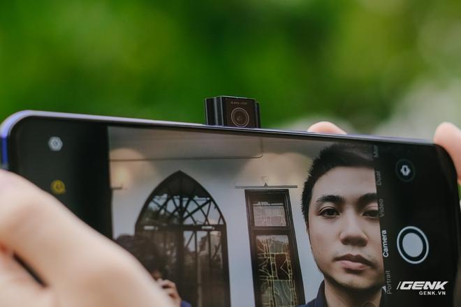 Trên tay máy chơi game Lenovo Legion Phone Duel 2 tại VN: Thiết kế độc lạ, camera selfie thò thụt, có 2 quạt tản nhiệt, 2 cổng sạc, giá chỉ từ 13.8 triệu đồng - Ảnh 14.