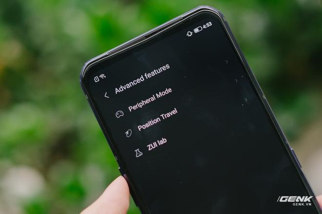 Trên tay máy chơi game Lenovo Legion Phone Duel 2 tại VN: Thiết kế độc lạ, camera selfie thò thụt, có 2 quạt tản nhiệt, 2 cổng sạc, giá chỉ từ 13.8 triệu đồng - Ảnh 23.