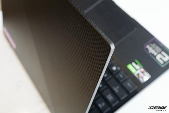 3 ngày dùng thử ASUS ROG Flow X13: Laptop chơi game giờ nhỏ gọn quá, không quen! - Ảnh 4.