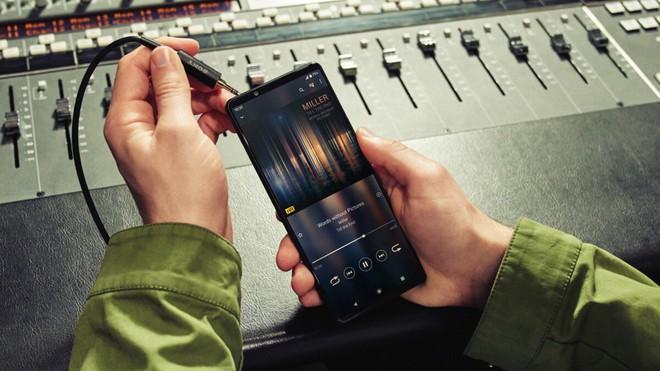 Sony Xperia 1 III có giá tương đương với Galaxy S21 Ultra, Xperia 5 III cũng không hề rẻ - Ảnh 1.