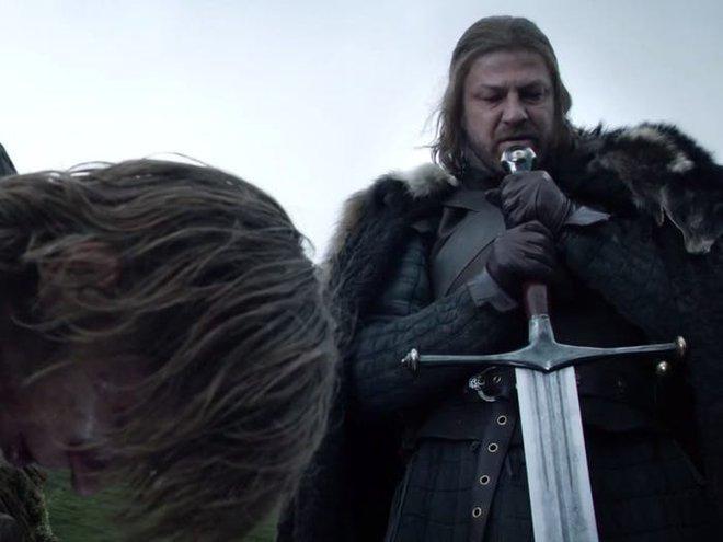 10 năm nhìn lại: Tập đầu tiên của Game of Thrones từng bị chủ tịch HBO chê đến mức phải làm lại, thay đổi hoàn toàn kịch bản lẫn diễn viên - Ảnh 1.