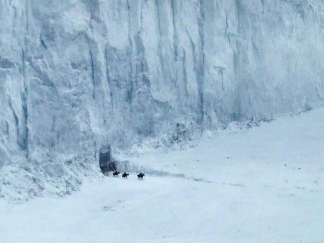 10 năm nhìn lại: Tập đầu tiên của Game of Thrones từng bị chủ tịch HBO chê đến mức phải làm lại, thay đổi hoàn toàn kịch bản lẫn diễn viên - Ảnh 4.