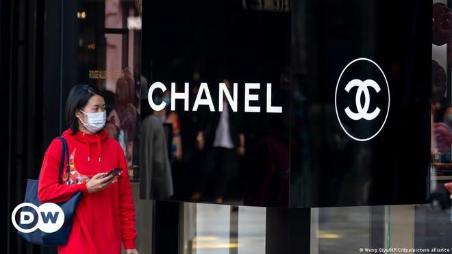 Huawei thắng kiện hãng thời trang Chanel vì chữ H không giống hai chữ C lồng vào nhau - Ảnh 2.