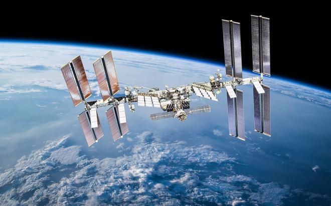 Nga tuyên bố sẽ rời ISS, tự phóng trạm vũ trụ của riêng mình - Ảnh 1.
