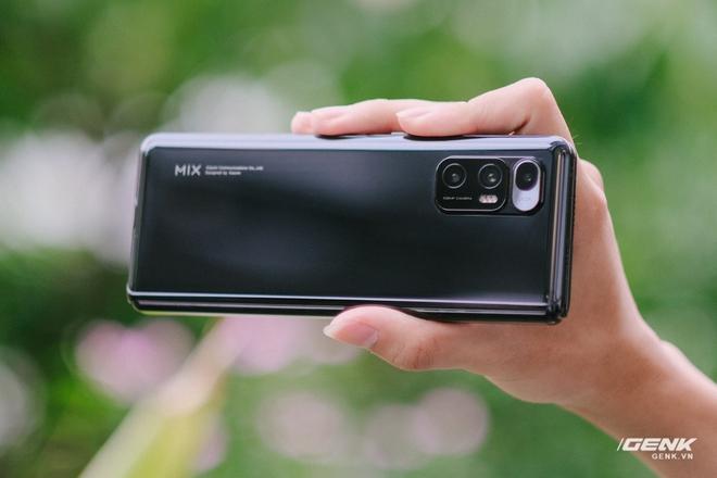 Trên tay Xiaomi Mi MIX Fold tại VN: Smartphone màn hình gập đầu tiên của Xiaomi có gì hấp dẫn? - Ảnh 5.
