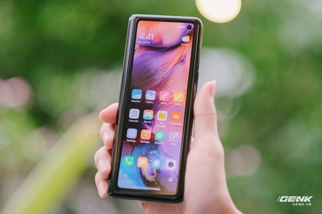 Trên tay Xiaomi Mi MIX Fold tại VN: Smartphone màn hình gập đầu tiên của Xiaomi có gì hấp dẫn? - Ảnh 8.