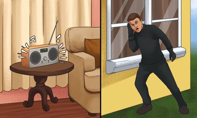 Mẹo hiệu quả để bảo vệ ngôi nhà khỏi kẻ trộm khi đi chơi xa - Ảnh 2.