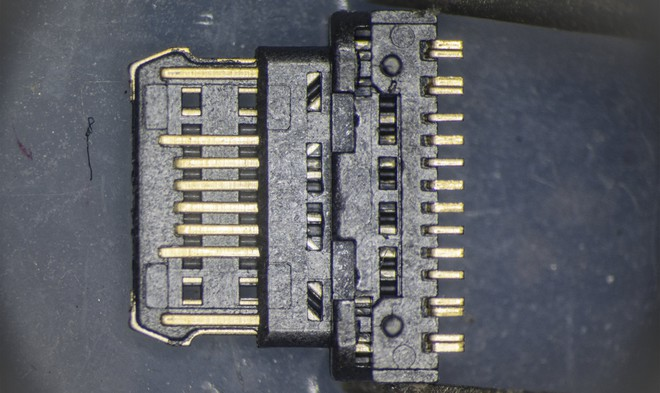 So sánh đầu nối USB-C loại 1 nghìn đồng và 5 nghìn đồng dưới kính hiển vi: đắt hơn gấp 5 nhưng chất lượng có hơn tương xứng? - Ảnh 9.