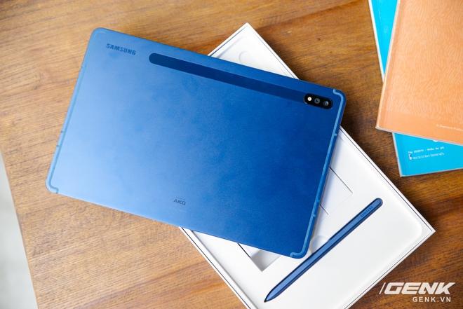 Trên tay Galaxy Tab S7 phiên bản Xanh Navy: thiết kế sang trọng, màu đẹp, cấu hình khủng, giá bán không đổi - Ảnh 1.