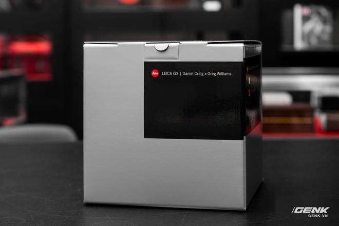 Đập hộp Leica Q2 phiên bản đặc biệt Daniel Craig x Greg Williams: Giá sương sương 183 triệu đồng, giới hạn 750 chiếc - Ảnh 1.