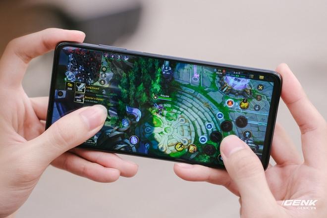 Trên tay và đánh giá nhanh POCO X3 Pro: Giá chỉ hơn 5 triệu nhưng có chip Snapdragon đầu 8, màn hình 120Hz, pin khủng 5160mAh - Ảnh 17.