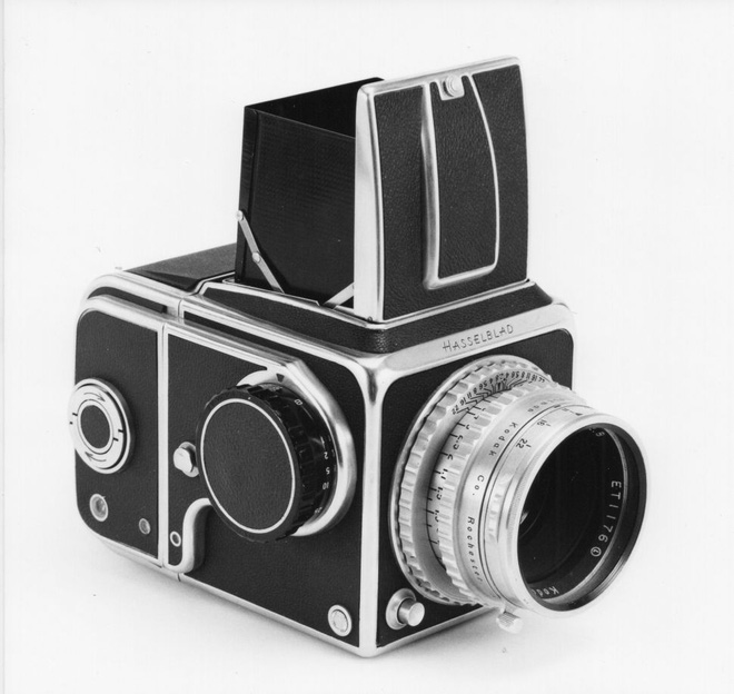 Hasselblad: Từ một cậu bé mê đắm các loài chim đến nhà chế tạo ra máy ảnh đầu tiên sử dụng trên Mặt Trăng - Ảnh 5.
