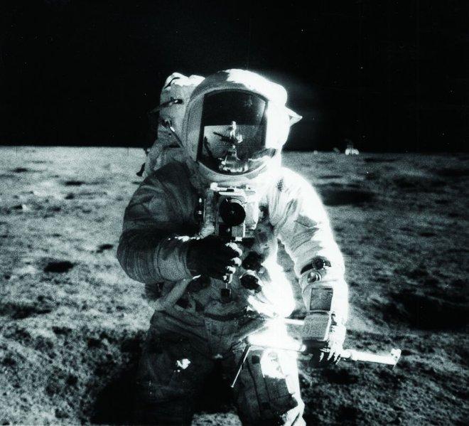 Hasselblad: Từ một cậu bé mê đắm các loài chim đến nhà chế tạo ra máy ảnh đầu tiên sử dụng trên Mặt Trăng - Ảnh 6.
