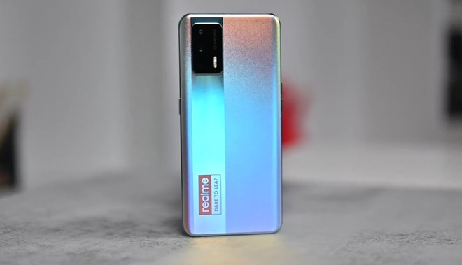 Sếp Realme: Giá smartphone sẽ tăng trong năm 2021 vì thiếu nguồn vật liệu - Ảnh 1.