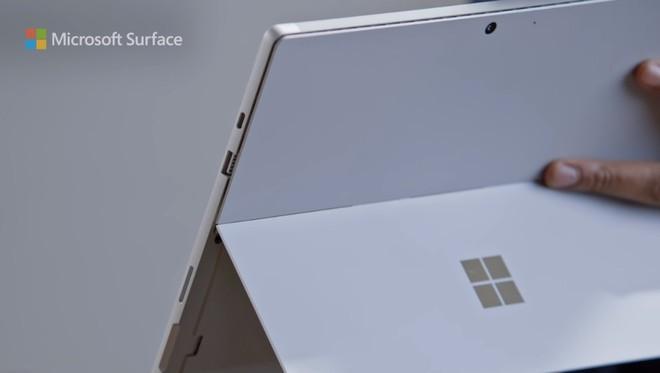 """Quảng cáo Surface Pro 7 mới nhất của Microsoft tiếp tục lôi iPad Pro ra làm """"trò đùa"""" - Ảnh 2."""