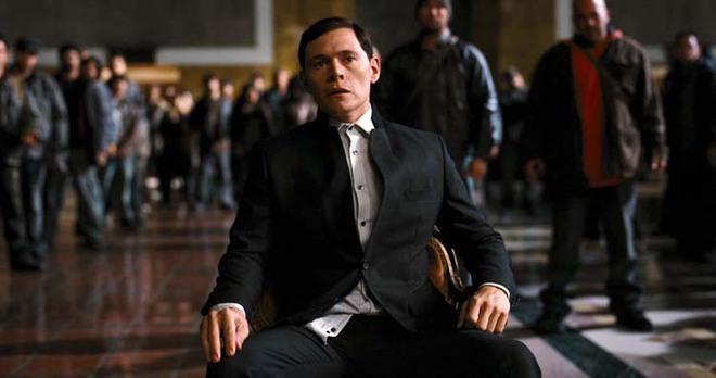 Bất ngờ: Những diễn viên nhìn mặt 'quen quen' mà bạn chẳng bao giờ nhớ được tên 007