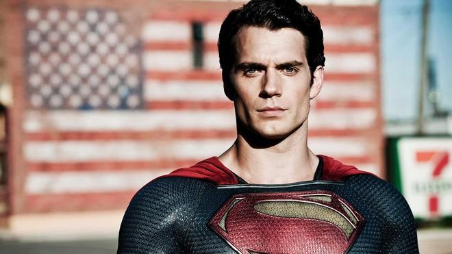 Dù là siêu anh hùng cứu thế giới, Superman vẫn chỉ là chàng phóng viên nghèo 001