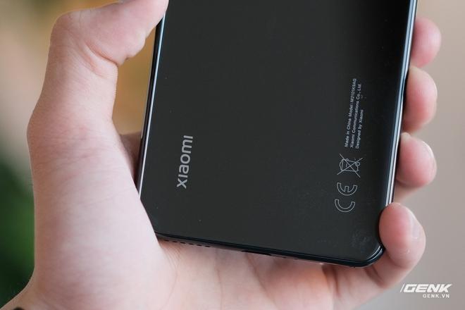 Trên tay Xiaomi Mi 11 Lite: Thiết kế cực mỏng nhẹ, có màn hình AMOLED 90Hz, Snapdragon 732G/780G, giá chỉ từ 6.9 triệu đồng - Ảnh 21.
