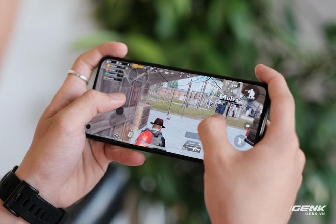 Trên tay Xiaomi Mi 11 Lite: Thiết kế cực mỏng nhẹ, có màn hình AMOLED 90Hz, Snapdragon 732G/780G, giá chỉ từ 6.9 triệu đồng - Ảnh 17.