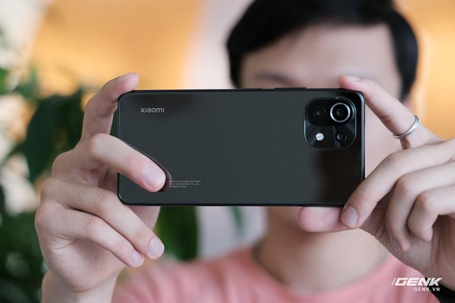 Trên tay Xiaomi Mi 11 Lite: Thiết kế cực mỏng nhẹ, có màn hình AMOLED 90Hz, Snapdragon 732G/780G, giá chỉ từ 6.9 triệu đồng - Ảnh 20.