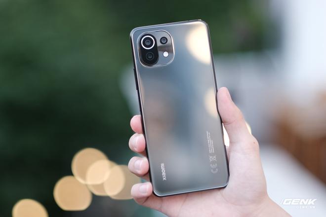 Xiaomi Mi 11 Lite: Giá chênh nhau hơn 2 triệu đồng, chọn bản 4G hay 5G mới là quyết định đúng đắn? - Ảnh 13.