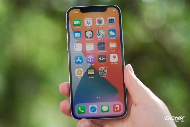Trên tay iPhone 12 màu tím mộng mơ mới, giá chính hãng 22 triệu đồng - Ảnh 8.