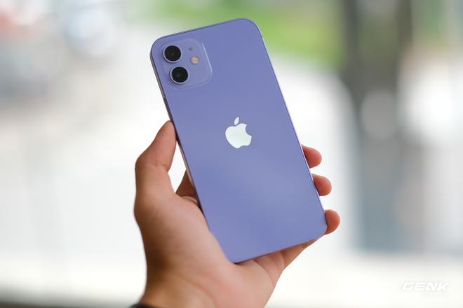 Trên tay iPhone 12 màu tím mộng mơ mới, giá chính hãng 22 triệu đồng - Ảnh 3.
