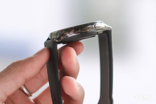 Trên tay và trải nghiệm nhanh OnePlus Watch: Thiết kế phổ thông, không dành cho người dùng nữ, có đo SpO2, pin 2 tuần, giá 4.2 triệu - Ảnh 5.
