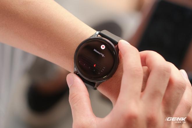 Trên tay và trải nghiệm nhanh OnePlus Watch: Thiết kế phổ thông, không dành cho người dùng nữ, có đo SpO2, pin 2 tuần, giá 4.2 triệu - Ảnh 12.