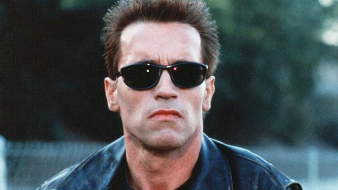 Kẻ hủy diệt Arnold Schwarzenegger tuyên bố tránh xa bitcoin theo chiến lược đầu tư của Warren Buffett - Ảnh 1.