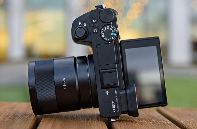 Sony ngừng sản xuất máy ảnh không gương lật Sony a6500? - Ảnh 1.