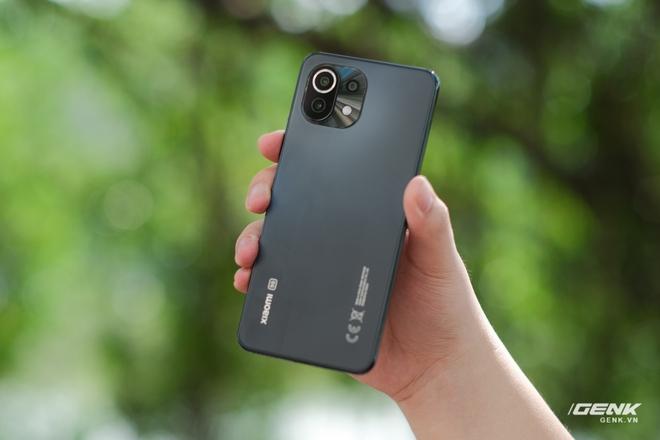 Xiaomi Mi 11 Lite: Giá chênh nhau hơn 2 triệu đồng, chọn bản 4G hay 5G mới là quyết định đúng đắn? - Ảnh 14.