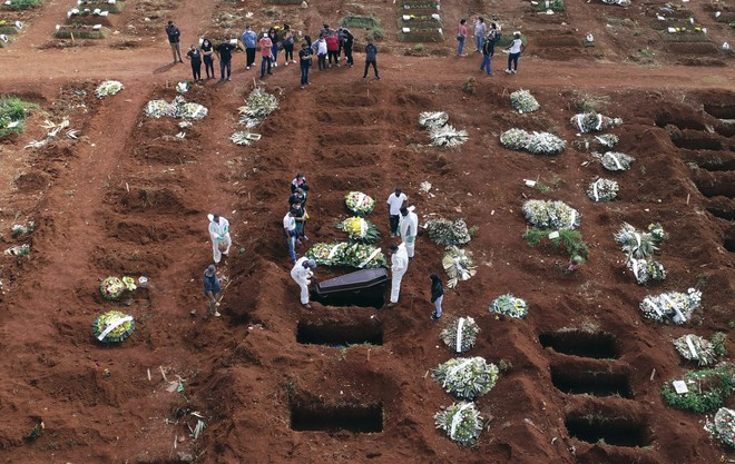 Thực tế số ca tử vong do COVID-19 trên toàn thế giới có thể đã gấp đôi con số thống kê được, cơ quan y tế Mỹ cho biết - Ảnh 5.