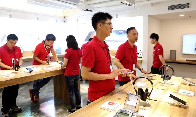 Xiaomi: Hành trình giong buồm ra biển lớn, trở thành vua smartphone Trung Quốc và hướng đến sản xuất ô tô điện - Ảnh 4.