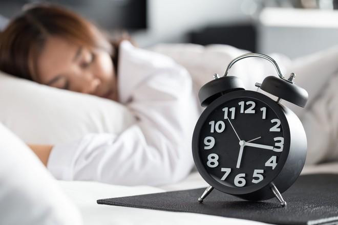 Ngủ quá nhiều có ảnh hưởng gì tới sức khoẻ không? Đây là những gì các nhà khoa học nghĩ - Ảnh 1.