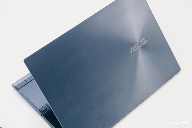 Cận cảnh Asus ZenBook Duo 14: Laptop hai màn hình mỏng nhẹ nhất thế giới, giá từ 32.9 triệu đồng - Ảnh 10.